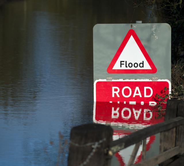 iStock_000022750261_Large_flooding